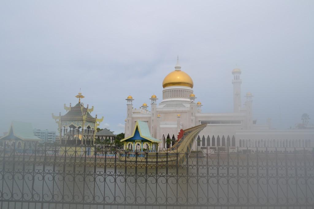 sultan_omar_ali_saifuddin_mosque
